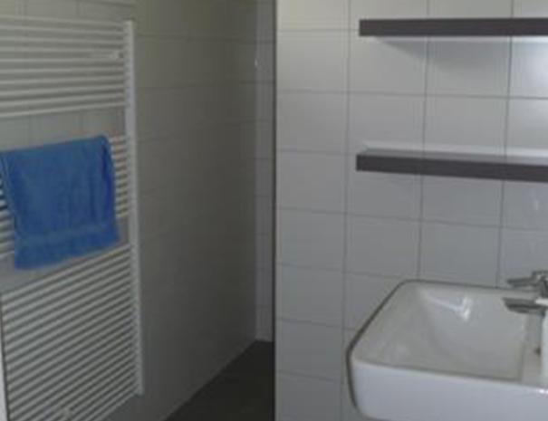 Bungalow II - badkamer met inloopdouche en vloerverwarming