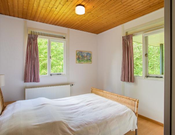 Bungalow III - fijne slaapkamer met tweepersoons bed (Bungalow 3)